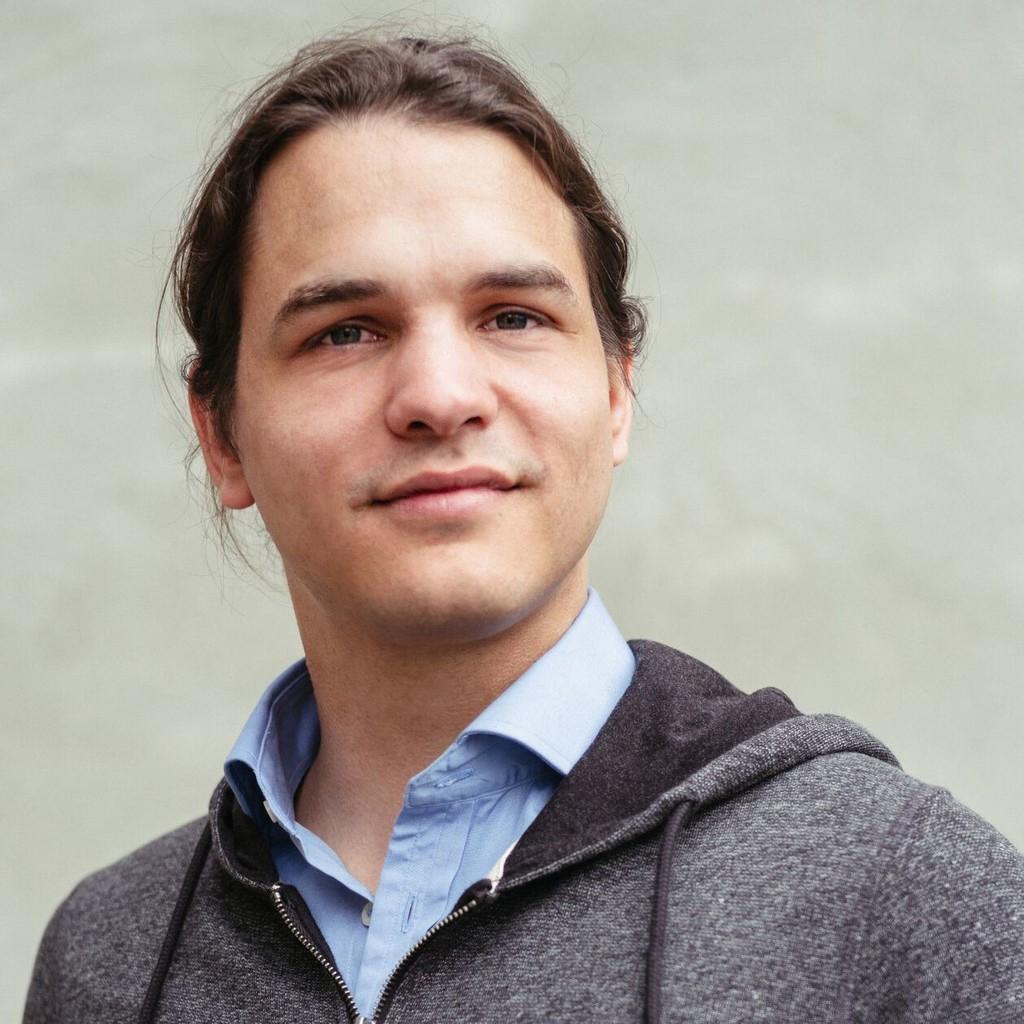 Jonathan Rüth