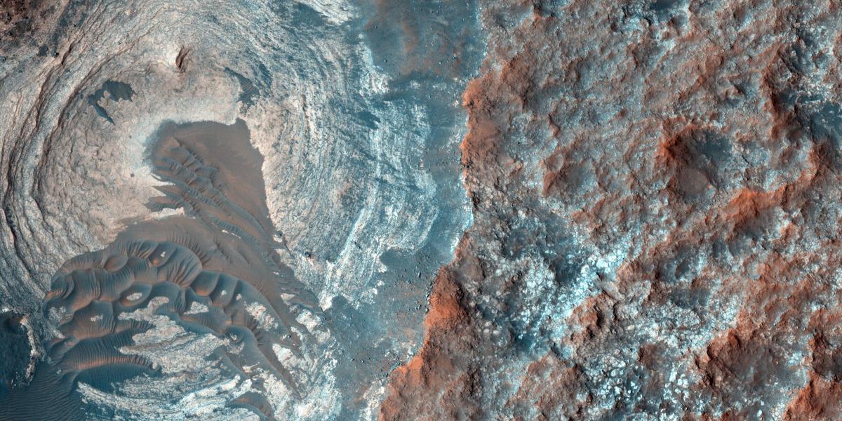 Mars surface aerial shot