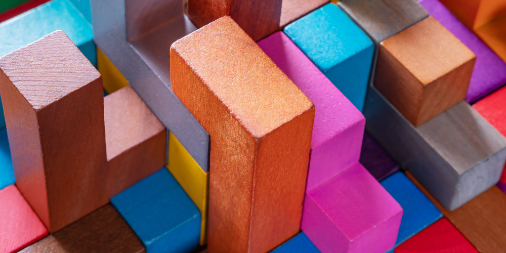 radachynskyi – stock.adobe.com - stacks of blocks