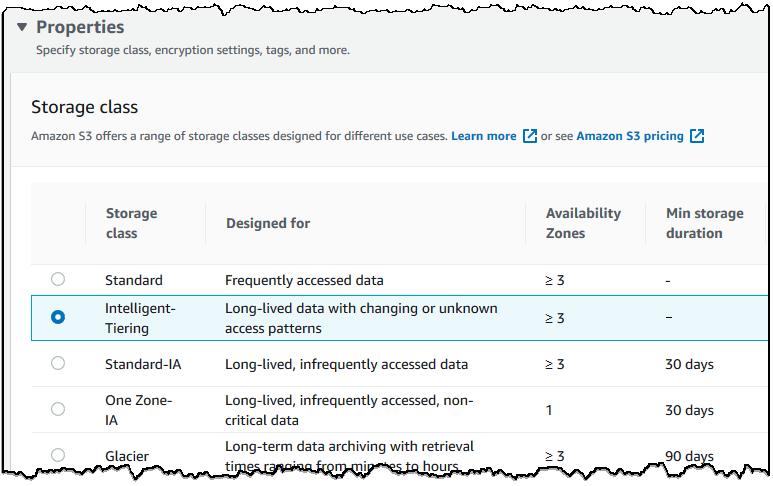 屏幕截图显示属性部分,选择 Intelligent-Tiering 作为存储类
