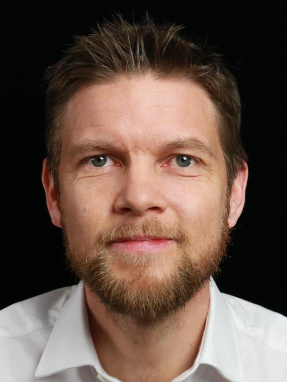Peter Henebäck